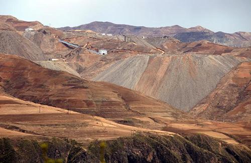 鉄鉱石鉱山